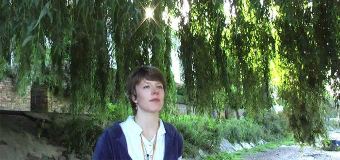 singer-songwriter Salie Lewi
