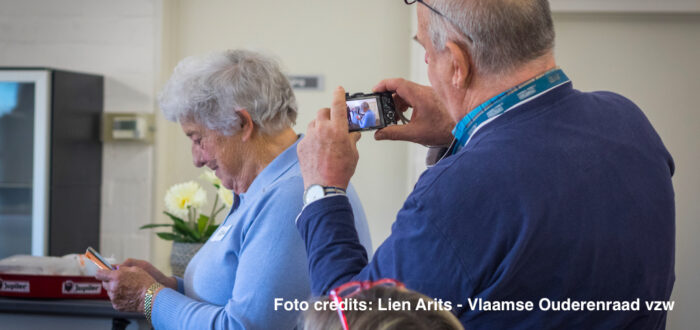 Smartphone (foto credits: Lien Arits - Vlaamse Ouderenraad)